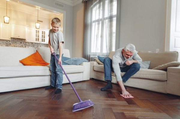 photo-of-man-cleaning-the-floor-3890198